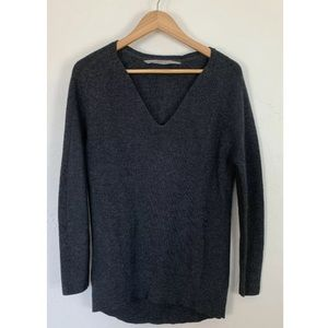 Athleta Pullover Sweater Merino XS V Neck Ribbed